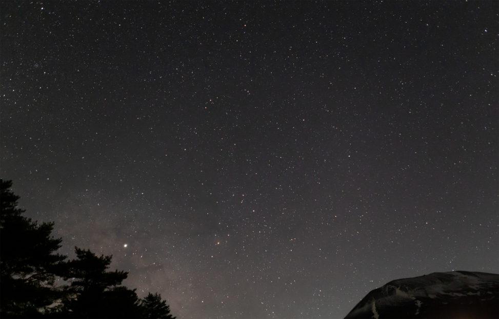 星空と浅間山02の写真素材