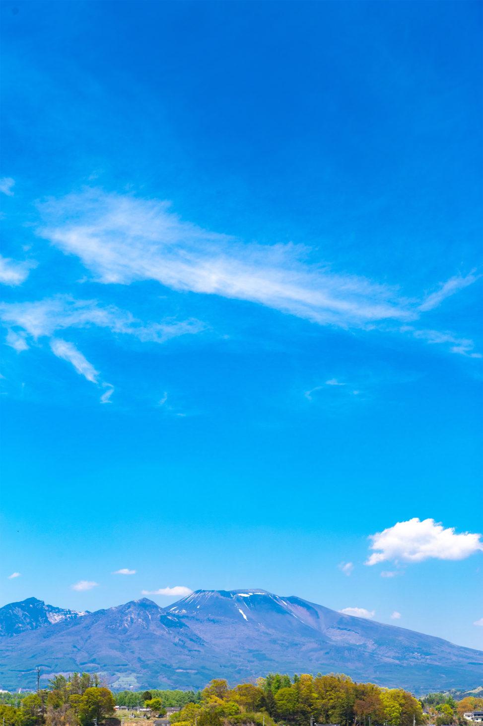 青空と浅間山の風景02の写真素材