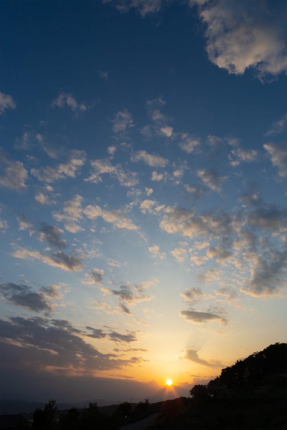 雲と夕日02の写真素材
