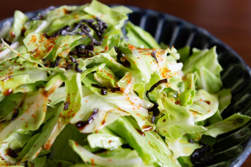 キャベツと昆布のサラダ02の写真素材