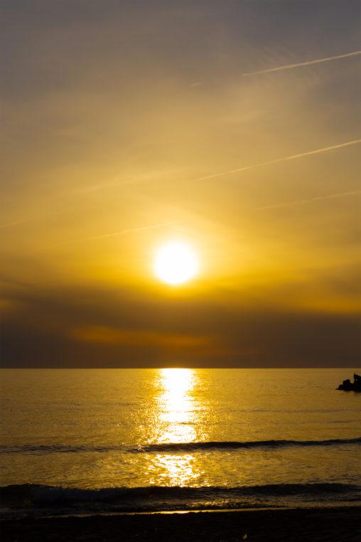 日本海に沈む夕日03の写真素材