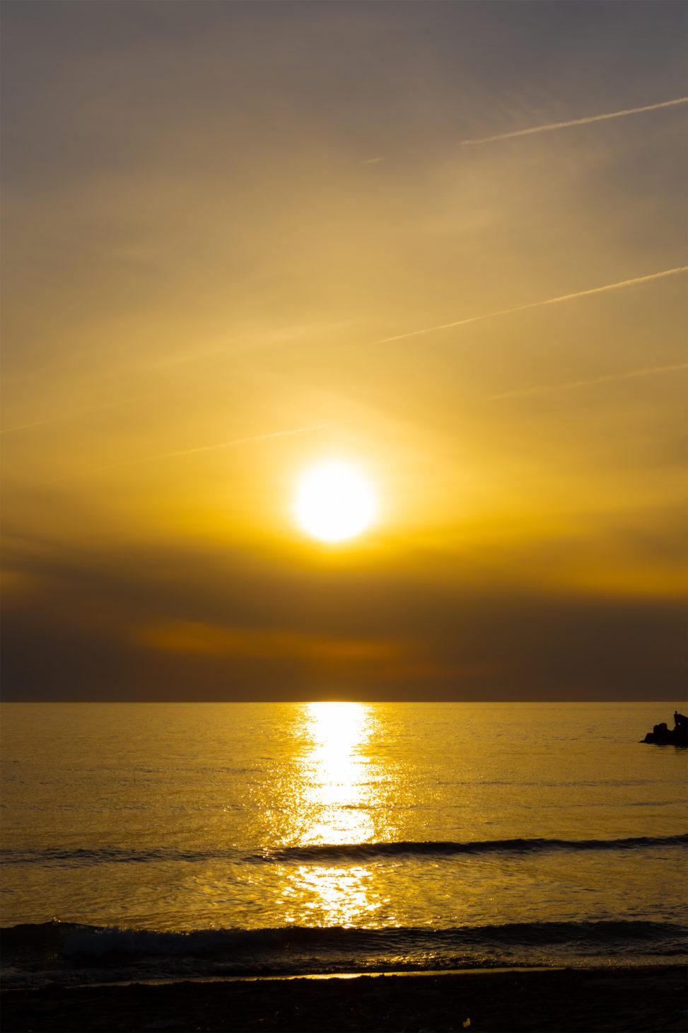 日本海に沈む夕日03 無料の高画質フリー写真素材 イメージズラボ