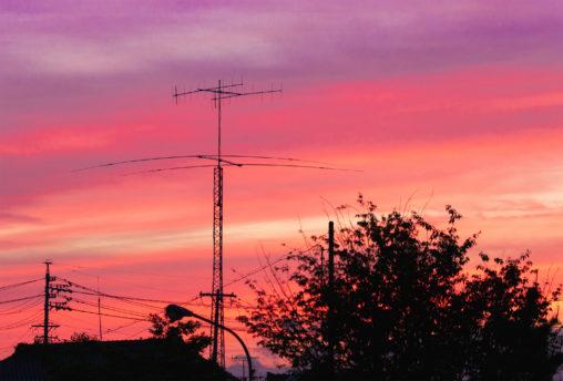 日没後のトワイライトタイムのフリー写真素材