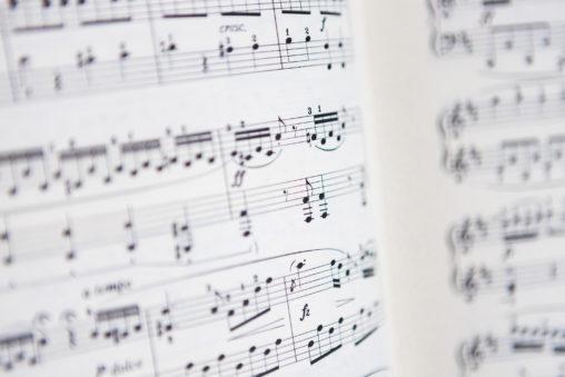ピアノの楽譜02のフリー写真素材