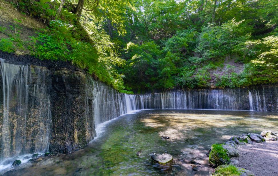 軽井沢の白糸の滝03のフリー写真素材
