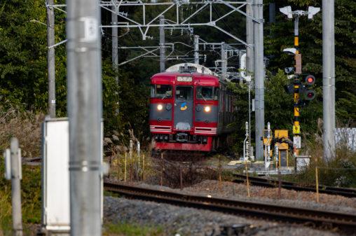 ローカル電車/鉄道・正面アングルの写真