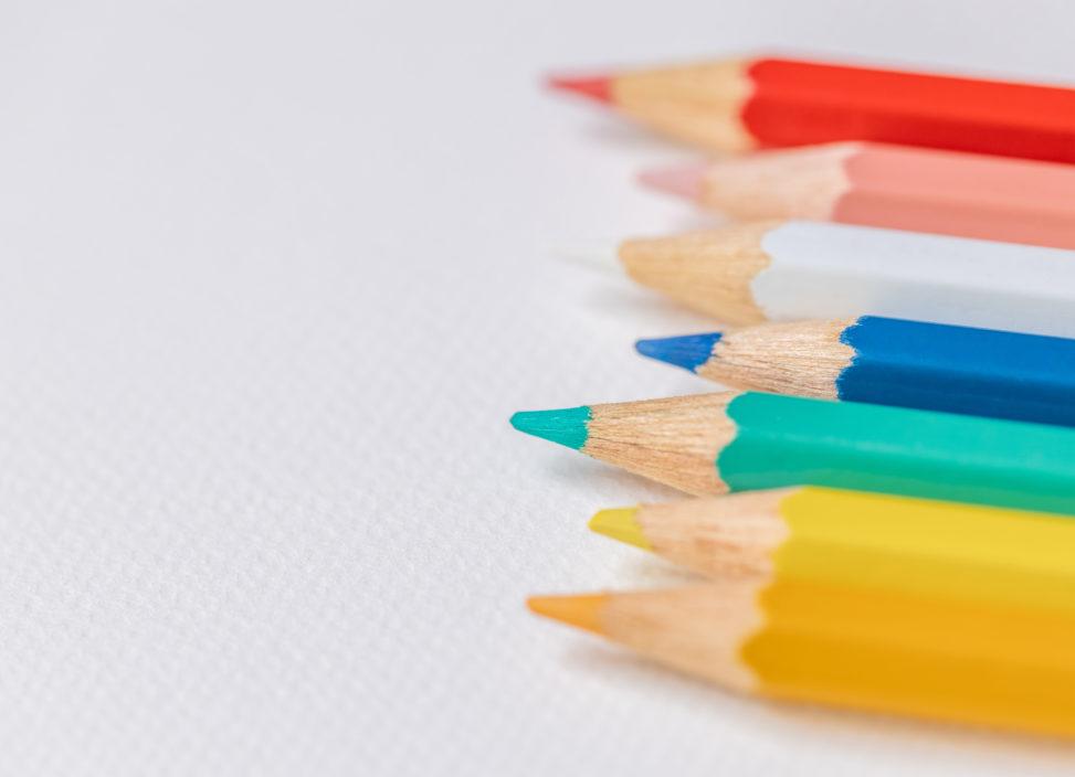 色鉛筆/白背景の写真
