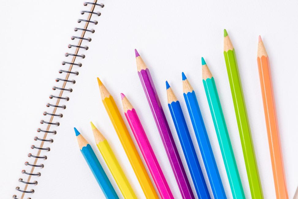 スケッチブック と色鉛筆_2の写真