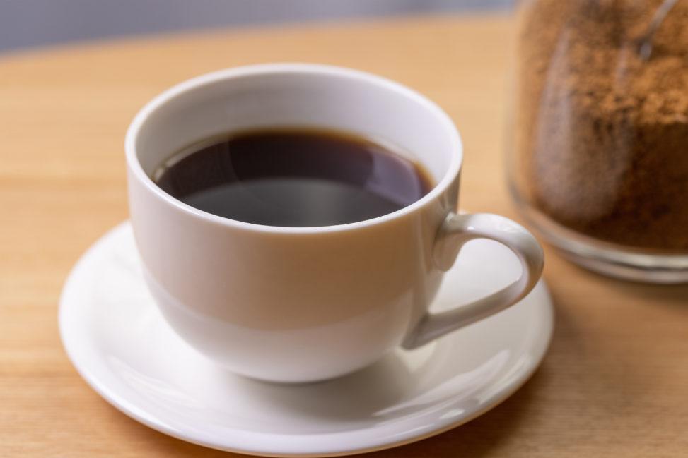 インスタントコーヒー/白いカップ_2の写真