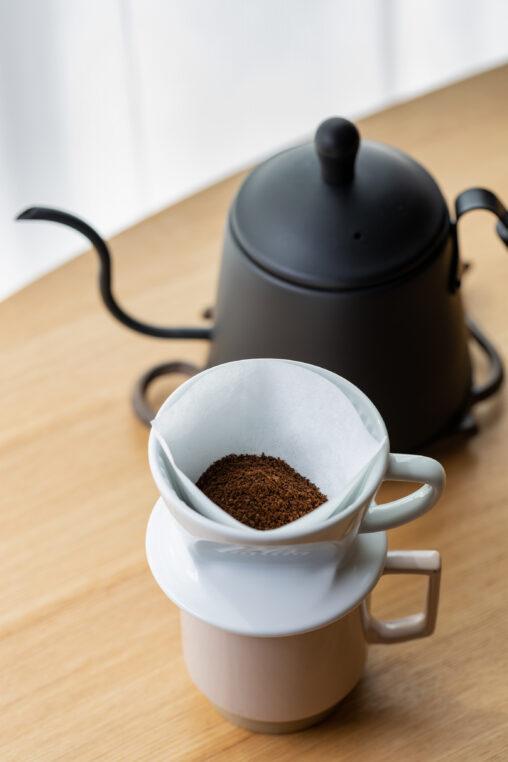 ペーパードリップコーヒー/珈琲/ポットの写真